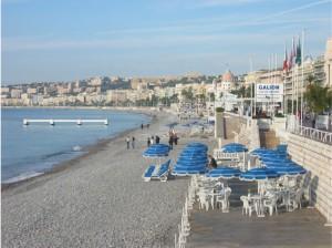 Strandpromenaden i Nice. Inget badväder men vackert!