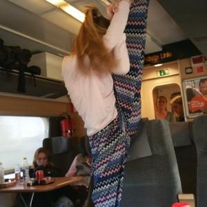 Stretch stående på tåget
